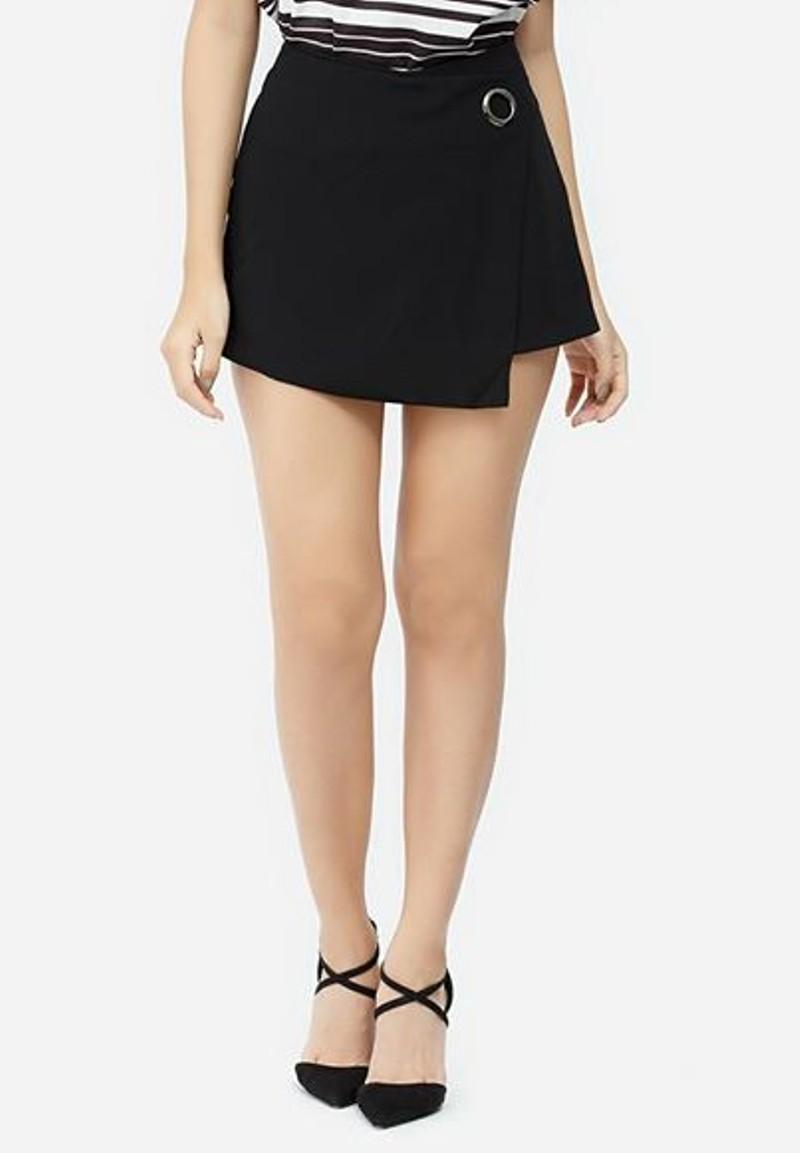 8 mẫu quần short nữ hot 2020